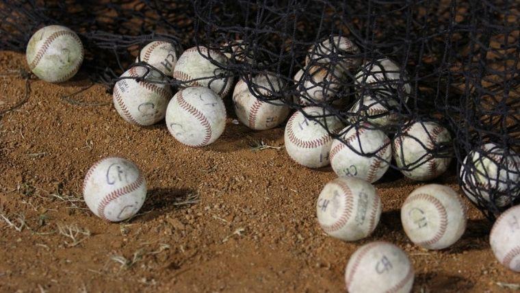 大量の野球ボール